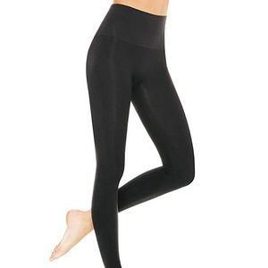 Assets by Spanx Black Leggings/Size Small